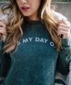 Helloooo2C_weekend______Get_this__shopsignorelli_sweater.jpg